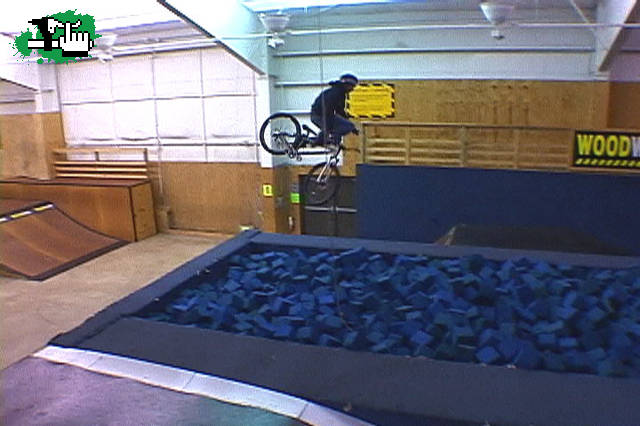 Foam pit pileta de goma espuma bicicleta btt for Cuanto sale hacer una pileta de material