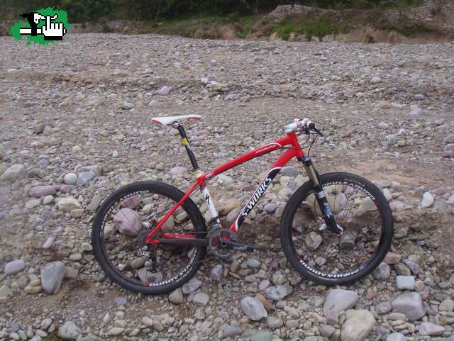 La saque del armario foto bicicleta btt - Armarios para bicicletas ...