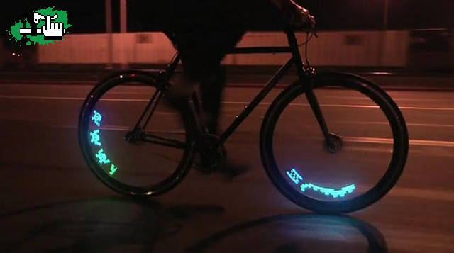 7b860485f Luces led para bicicleta estilo 8-bit Foto Bicicleta BTT
