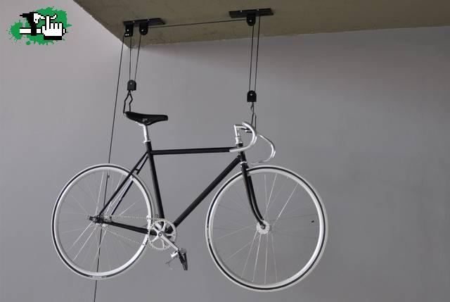 Soporte para colgar la bici usada en Venta BTT