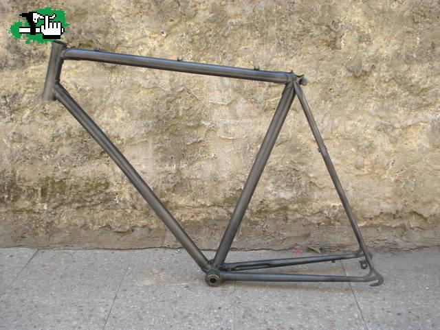 Cuadro de bicicleta rodado 28 usada Bicicleta en Venta - BTT