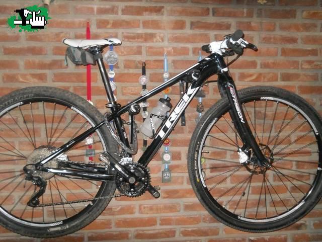33b6167e01e ÚLTIMOS DÍAS DE OFERTA!!! TREK Superfly 5 2014 usada Bicicleta en ...