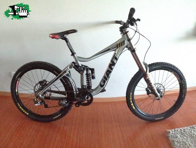 9c1f84b7764 Bicicleta de Descenso Giant Glory 00 (DH - 2011) usada Bicicleta en ...