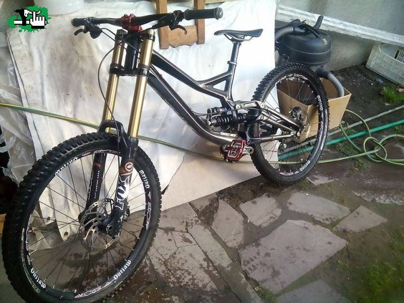 0b75e4c3fa1 Vendo Specialized Demo 8 2014. u$s 4000 dolares. g0nz4L0