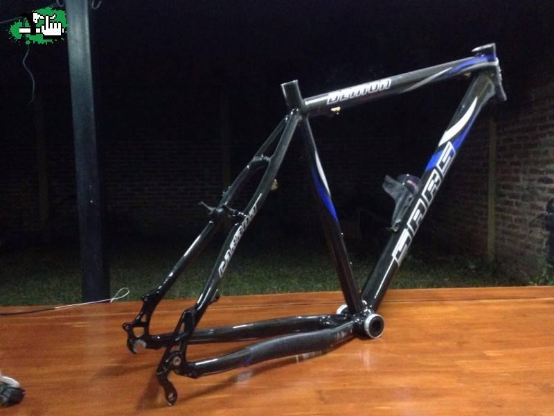 CUADRO SARS R26 CARBONO + RUEDAS usada Bicicleta en Venta - BTT