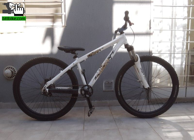 Scott Voltage YZ-1